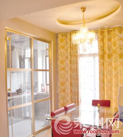 厨房与餐厅玻璃隔断门装修效果图厨房玻璃隔断门按照门的
